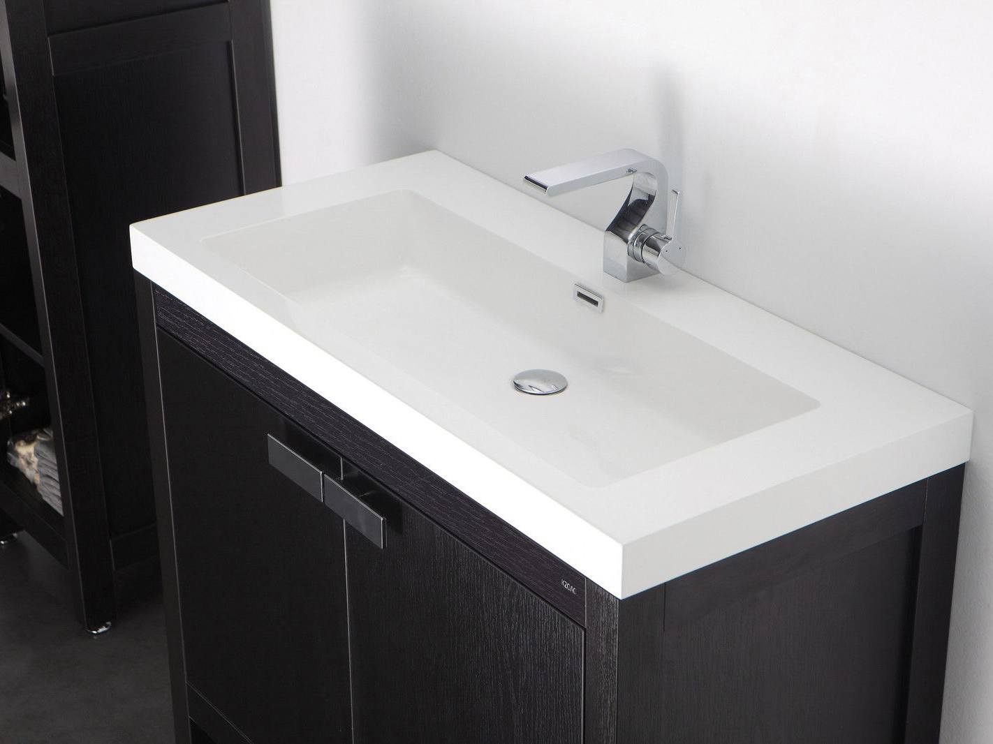 Barcelona waschtisch set 100 cm eiche schwarz badewelt for Badezimmer hersteller
