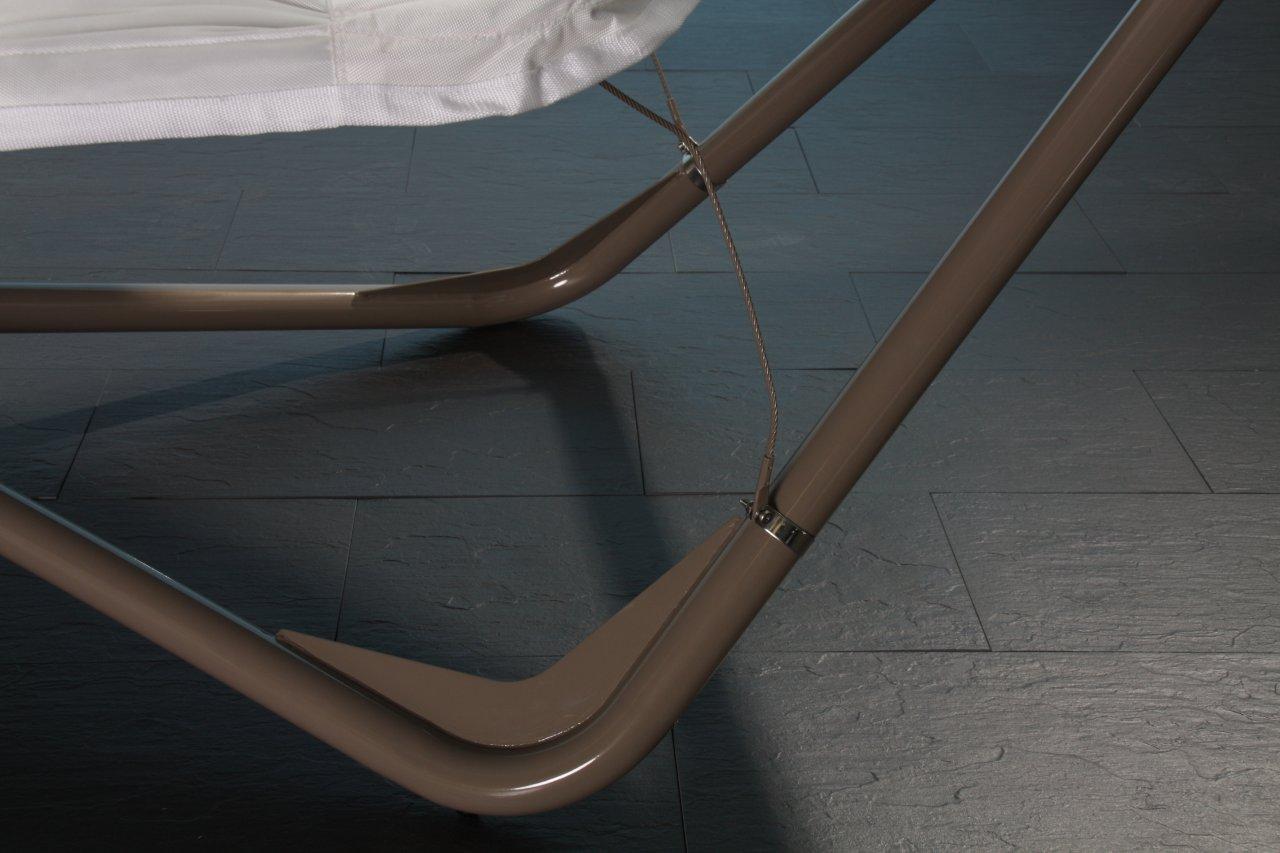 h ngematte mit sonnenschutz in wei haus und garten garten. Black Bedroom Furniture Sets. Home Design Ideas